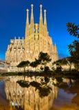 Sagrada Familia på natten, Barcelona Royaltyfri Foto