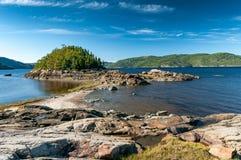 Saguenay海湾的岸 库存图片