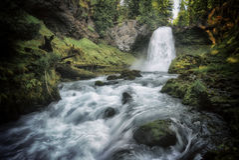 Sahalie cai cachoeira - floresta nacional de Willamette - Oregon fotos de stock royalty free
