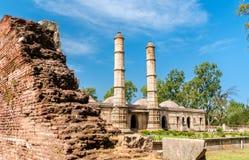 Sahar Ki Masjid på arkeologiska Champaner-Pavagadh parkerar En UNESCOarvplats i Gujarat, Indien fotografering för bildbyråer