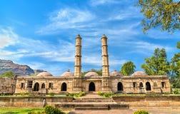 Sahara Ki Masjid przy Champaner-Pavagadh Archeologicznym parkiem UNESCO dziedzictwa miejsce w Gujarat, India obrazy royalty free