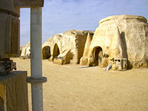 Sahara Tunezja, Styczeń, - 03, 2008: Zaniechani sety dla strzelaniny gwiazd filmowa wojny Obrazy Royalty Free