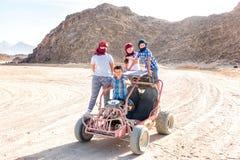Sahara-Wüste - aktive Freizeit und Reise nach Ägypten lizenzfreie stockbilder