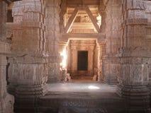 Sahastrabahu寺庙瓜廖尔,印度里面建筑看法  免版税库存照片