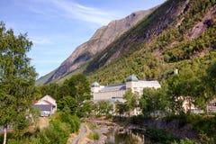 Saheim Rjukan的Rjukan诺托登UNE水力发电的动力火车 免版税库存照片
