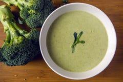 Sahne der Brokkolisuppe stockfotos