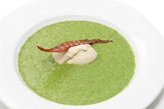 Sahne mit Spinat. Stockbild