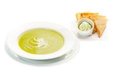 Sahnesuppe mit Spinat Stockbild
