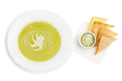 Sahnesuppe mit Spinat Stockfoto
