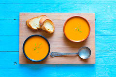 Sahnige köstliche Kürbis-Suppe des strengen Vegetariers Lizenzfreies Stockbild