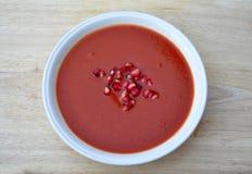 Sahnige Tomate-Suppe stockbild