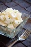 Sahniger Kartoffel-Salat Lizenzfreies Stockfoto