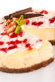 Sahniges köstliches des frischen Nachtischs des Erdbeerkäsekuchens Lizenzfreies Stockbild