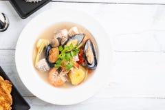 Sai do nam do goong de Tom Yum - sopa tailandesa do marisco fotos de stock royalty free