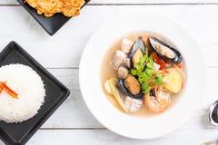 Sai do nam do goong de Tom Yum - sopa tailandesa do marisco fotografia de stock