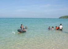 Sai Kaew Beach Sattahip-Military Beach Juego de niños en el wa Imagen de archivo
