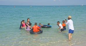 Sai Kaew Beach Sattahip-Military Beach Juego de niños en el wa Foto de archivo libre de regalías