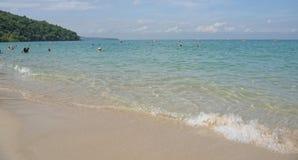 Sai Kaew Beach Sattahip-Military Beach La gente toma el sol y nada Imagen de archivo libre de regalías