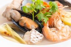Sai nam goong Тома Yum - суп морепродуктов тайский стоковое изображение rf