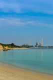 Sai paska morze z elektryczną elektrownią i plaża, Rayong, Th Obrazy Royalty Free