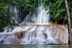 Sai Yok Noi Waterfall Kanchanaburi, Thailand Arkivfoto