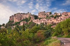Saignon, Воклюз, Провансаль, Франция: ландшафт старое VI стоковое изображение rf