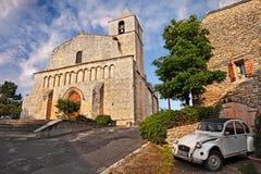 Saignon, Провансаль, Франция: старая церковь Нотр-Дам de Piti стоковое изображение