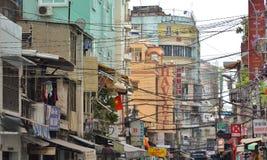 Saigon, Βιετνάμ 8 Μαρτίου 2015: Οι οδοί του συνόλου Saigon (Chi Ho ελάχιστη πόλη) των καλωδίων Στοκ Φωτογραφίες
