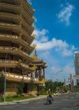 Saigon - ναοί & ουρανοξύστες Στοκ φωτογραφία με δικαίωμα ελεύθερης χρήσης