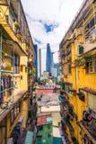 Saigon, σύγχρονος ουρανοξύστης πόλεων του Ho Chi Minh και παλαιά πολυκατοικία, ειρηνικοασιατικοί, Βιετνάμ Στοκ Εικόνες