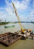 Εργοτάξιο οικοδομής στον ποταμό Saigon Στοκ Εικόνες