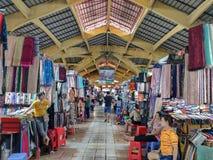 SAIGON DE HO CHI MINH CITY, VIETNAME - EM JULHO DE 2019: Dentro de Ben Thanh Market fotografia de stock royalty free