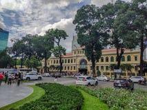SAIGON DE HO CHI MINH CITY, VIETNAME - EM JULHO DE 2019: Estação de correios central de Saigon imagem de stock royalty free
