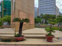 SAIGON DE HO CHI MINH CITY, VIETNAME - EM JULHO DE 2019: Tran Hung Dao Statue e quadrado imagens de stock royalty free