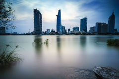 Saigon na noite, Vietname Fotos de Stock Royalty Free