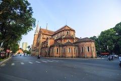 SAIGON Notre Damae katedra SAIGON WIETNAM, KWIECIEŃ - 05, 2016 - Obrazy Stock