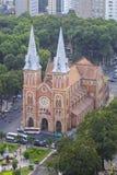 SAIGON Notre Damae katedra (wietnamczyk: SAIGON WIETNAM, KWIECIEŃ - 05, 2016 - Nha Tho Duc półdupki) Obraz Stock