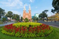Saigon Notre Dame Basilica en Tet Eve Imagenes de archivo
