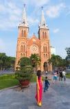 Saigon Notre Dame Basilica på Tet, Vietnam Arkivfoto