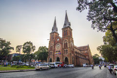 SAIGON, VIETNAM - 8. April 2016 - Saigon Notre Dame Cathedral Lizenzfreie Stockbilder