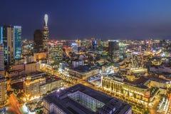SAIGON, VIETNAM - 8 aprile 2016 - paesaggio dell'impressione della città di Ho Chi Minh alla notte, Immagine Stock Libera da Diritti