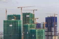 SAIGON, VIETNAM - 3 de julio de 2016 - una construcción buiding en el apartamento DE ORO del RÍO de VINHOMES fotografía de archivo