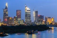 SAIGON, VIETNAM - 27 Dec, 2016 - Ontwikkeling van district 1, Ho Chi Minh City met vele moderne gebouwen en bureaus Stock Afbeelding