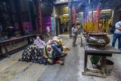 SAIGON, VIETNAM - 15 février 2018 - danse de dragon et de lion montrent dans le festival chinois de nouvelle année Photo libre de droits