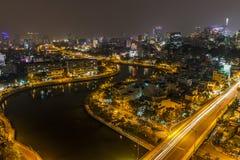 SAIGON, VIETNAM - 26. JUNI 2015: Stadtbild von Ho Chi Minh Ciy- und Khanh Hoi-Brücke Lizenzfreies Stockbild