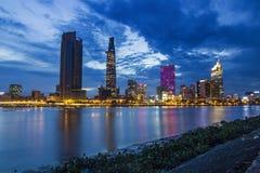 SAIGON, VIETNAM - 31. Mai 2016 - Entwicklung von Bezirk 1, Ho Chi Minh City mit vielen modernen Gebäuden und Büros Stockfotos