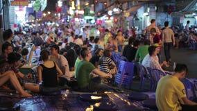 SAIGON, VIETNAM - MAI 2014 : Vie nocturne avec des barres et des bars clips vidéos