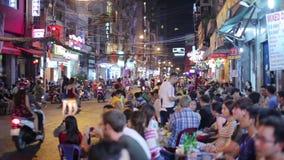 SAIGON VIETNAM - MAJ 2014: dagligt uteliv stock video