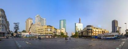 SAIGON, VIETNAME - 14 de abril de 2016 rua de Nguyen Hue que anda nos dias do ano novo Fotos de Stock