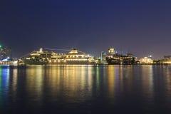 SAIGON, VIETNAME - 26 de dezembro de 2016 - Silversea cruza barco amarrado no porto de Saigon, Vietname Fotografia de Stock Royalty Free